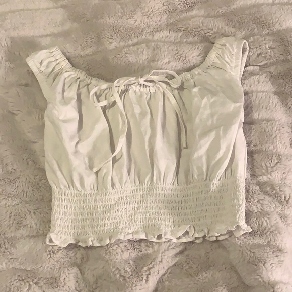 NWOT Brandy Melville baby doll tie scrunched cropped shirred tank top (white)